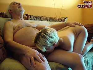 Fresh Girls Ball Licking Porn Pictures