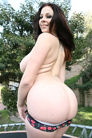 Fresh Big Ass Girls Porn Pictures