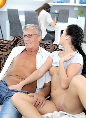 Fresh Girls Cuckold Porn Pictures